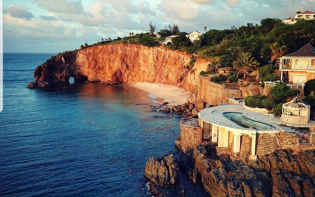 SAINT-MARTIN: Baie Rouge, sunset and archaeological site!